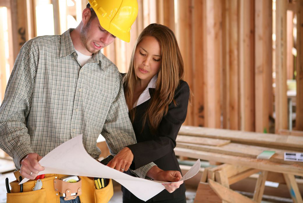 picture of contractor at jobsite with woman